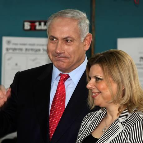 Premier Benjamin Netanyahu e sua mulher Sara em Jerusalém Foto: RINA CASTELNUOVO / NYT