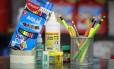 Uso comum. Materiais como tinta, fitas adesivas, cola e lápis de cor para uso coletivo não podem ser pedidos na lista