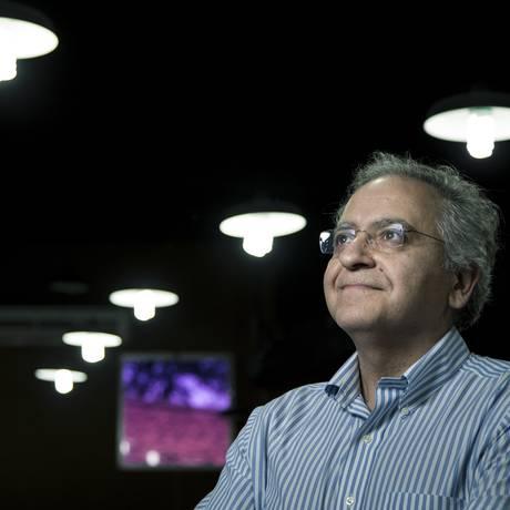 O iraniano Cumrun Vafa, no Rio: as dimensões dependem do que se procura no objeto Foto: Leo Martins / Agência O Globo