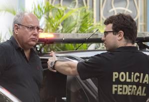 O ex-diretor de Engenharia e Serviços da Petrobras Renato Duque, na sede da Polícia Federal no Rio (14/11/2014) Foto: Márcia Foletto / Agência O Globo