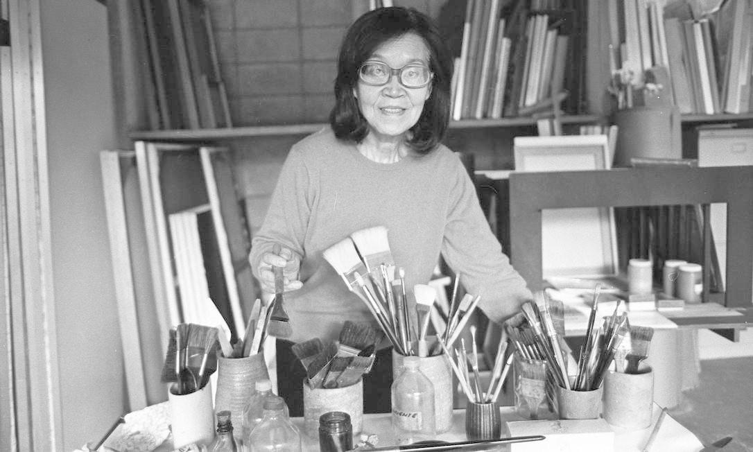 A pintora em sua casa-ateliê de São Paulo, em 1983 Arquivo / Agência O Globo