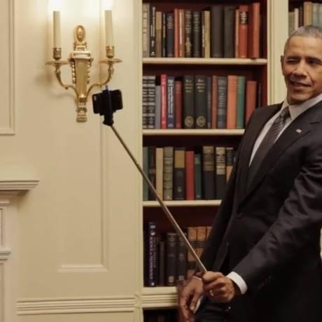 Obama no vídeo da BuzzFeed: descontração e selfie Foto: Reprodução