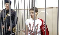 Nadezhda Savchenko durante uma audiência no tribunal de Basmanny, em Moscou Foto: MAXIM ZMEYEV / REUTERS/10-2-2015
