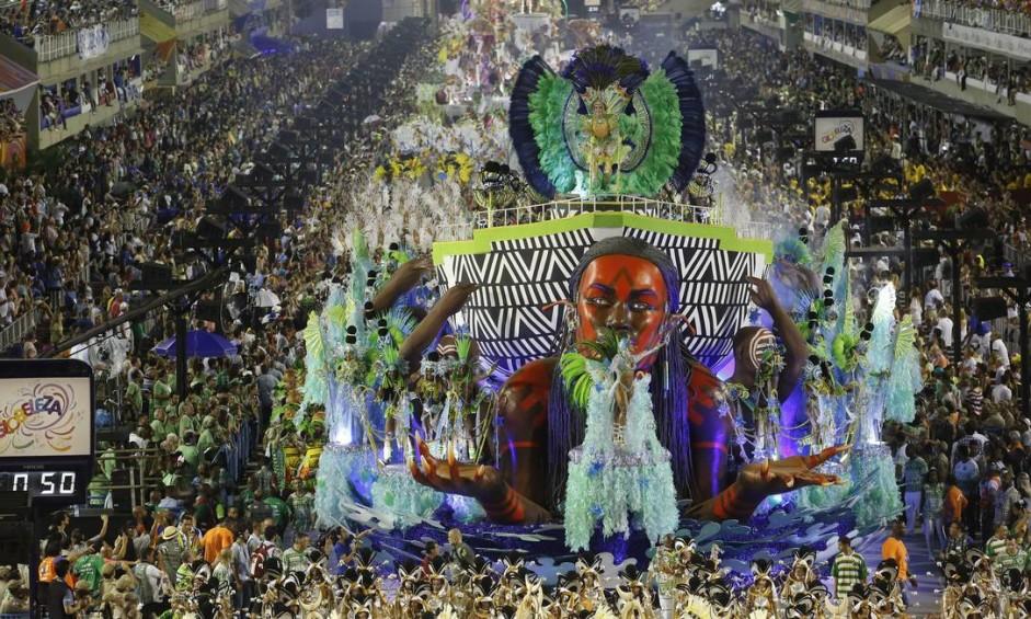 A Imperatriz foi a grande vencedora do Estandarte de Ouro do carnaval deste ano Foto: Luis Alvarenga / Extra
