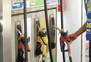 Postos de São Luís estavam cobrando preços abusivos Foto: Gabriel de Paiva / Agência O Globo