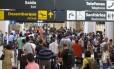 Longas viagens de avião podem ser muito desgastantes, mas algumas dicas amenizam o desconforto