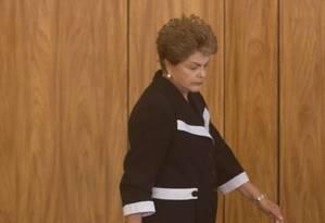 Presidente Dilma Rousseff chega a cerimônia de entrega de credenciais de novos embaixadores Foto: André Coelho / Agência O Globo