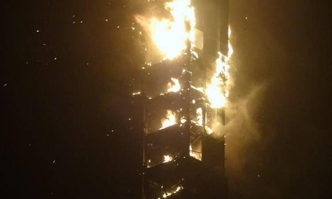 Incendio na Marina Torch Foto: Reprodução/Twitter