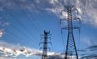 Linhas de transmissão de energia elétrica. O insumo pressionará a inflação neste ano Foto: Steve Hockstein / Bloomberg