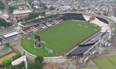 Vista aérea do Estádio de São Januário, cujo complexo será reformado mediante campanha de mobilização dos vascaínos pela internet Foto: Genilson Araújo/27-03-2013