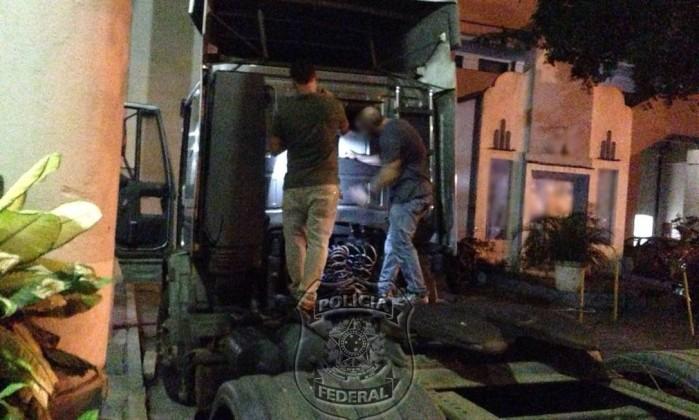 Polícia Federal suspeitou de caminhão e o acompanhou até Itaguaí, onde se deu a abordagem Foto: Ascom/Polícia Federal