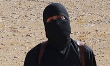 "Mohammad Emwazi, o ""Jihadi John"". Antes de se juntar a combatentes do Estado Islâmico, londrino nascido no Kuwait foi monitorado por serviços britânicos de inteligência Foto: Uncredited / AP"
