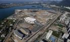 Vista aérea das obras do Parque Olímpico, na Barra: serviços de infraestrutura e construção de parte das instalações esportivas estão sendo realizados por empreiteiras citadas na Operação Lava-Jato Foto: Ricardo Moraes / Reuters