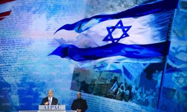 Netanyahu na AIPAC, em Washington: diferenças com o governo americano Foto: Cliff Owen / AP