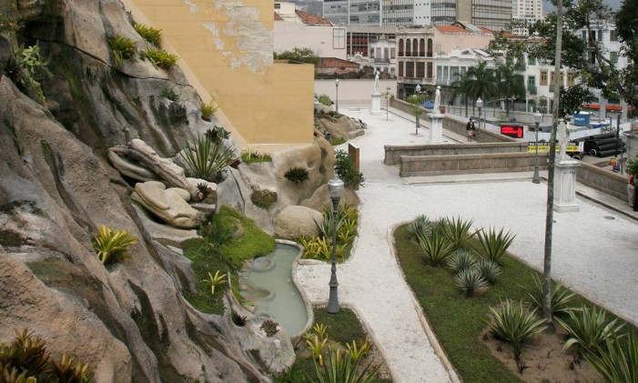 Jardim Suspenso do Valongo, no Morro da Conceição Foto: Luiz Ackermann / Agência O Globo