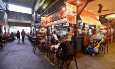 Bares e restaurante são maioria na Cobal: última peixaria fechou as portas Foto: Agência O Globo / José Pedro Monteiro