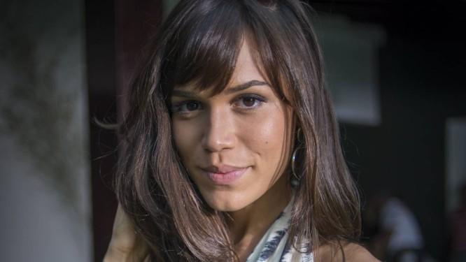 Carla Salle em cena como Helô Foto: TV Globo/Alex Carvalho / Divulgação