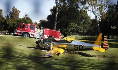 O avião onde estava Harrison Ford fez um pouso forçado em Venice, Los Angeles Foto: LUCY NICHOLSON / REUTERS