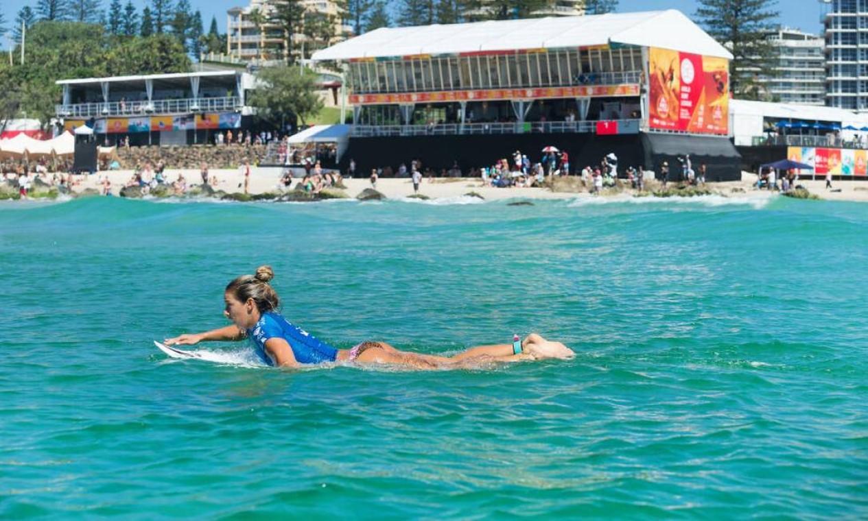 Lakey eliminou a havaiana Coco Ho na repescagem Foto: Divulgação/WSL