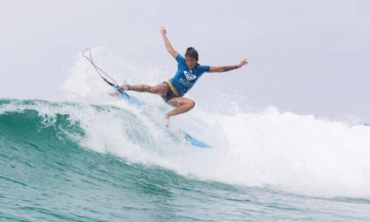 A brasileira Silvana Lima conseguiu avançar para as quartas de final da etapa de Gold Coast do Mundial de Surfe Foto: Divulgação/WSL