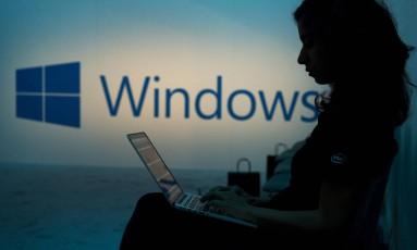 """Microsoft informa que """"irá tomar ações apropriadas para ajudar a proteger os consumidores, o que pode incluir uma atualização de segurança"""". Foto: David Paul Morris / Bloomberg"""