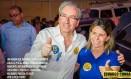 Foto postada no facebook do deputado Eduardo Cunha (PMDB-RJ), na campanha eleitoral de 2014, em que ele aparece com Solange Almeida, então prefeita de Rio Bonito Foto: Reprodução