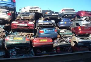 Pelo projeto, os carros capazes de superar o limite legal de velocidade (ou seja, todos) seriam tirados das ruas da Inglaterra Foto: Reprodução