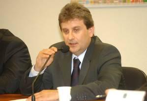 Alberto Youssef depõe na Comissão Parlamentar Mista de Inquérito dos Correios Foto: Agência Senado/18-10-2005