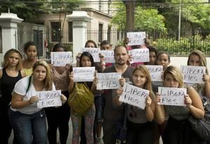 Alunos da Veiga de Almeida protestam pela liberação de vagas no Fies Foto: Márcia Foletto / Agência O Globo