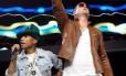 Pharrell Williams e Robin Thicke se apresentam juntos