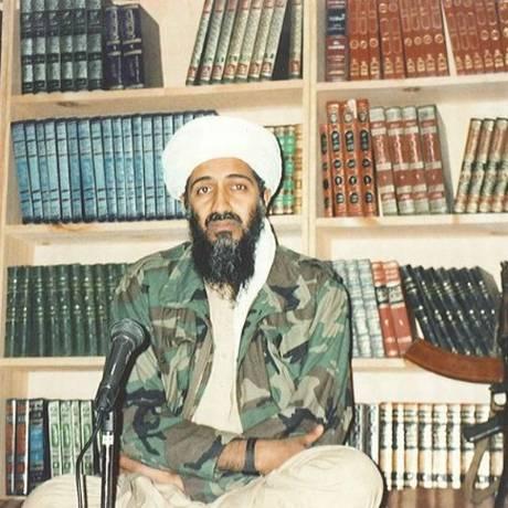 Bin Laden em seu esconderijo no Afeganistão, durante gravação de comunicado em vídeo Foto: US ATTORNEY'S OFFICE/SOUTHERN DISTRICT OF NEW YORK