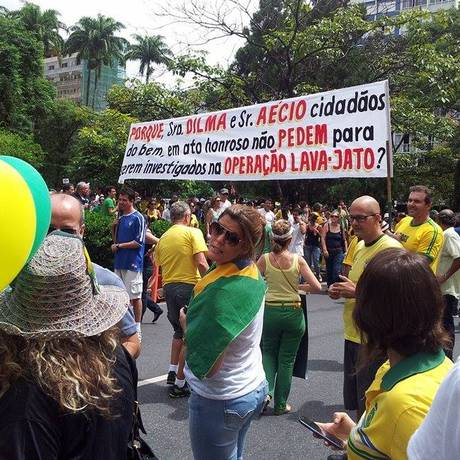 Faixa fez com que grupo fosse hostilizado Foto: Thiago Ricci