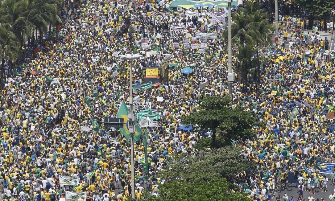 Protestos anti-Dilma reúnem mais de 2 milhões de pessoas pelo país