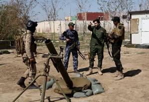 Milícia iraquiana alerta para perigo em territórios do EI em Tikrit Foto: Khalid Mohammed / AP