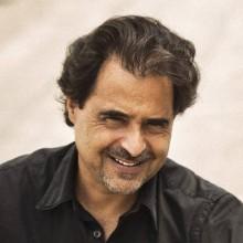 José Eduardo Agualusa Foto: Fabio Seixo / Agência O Globo