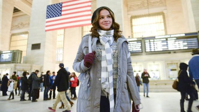 Bruna Marquezine grava cena da novela na Grand Central Station, em Nova York Foto: TV Globo/Ze Paulo Cardeal