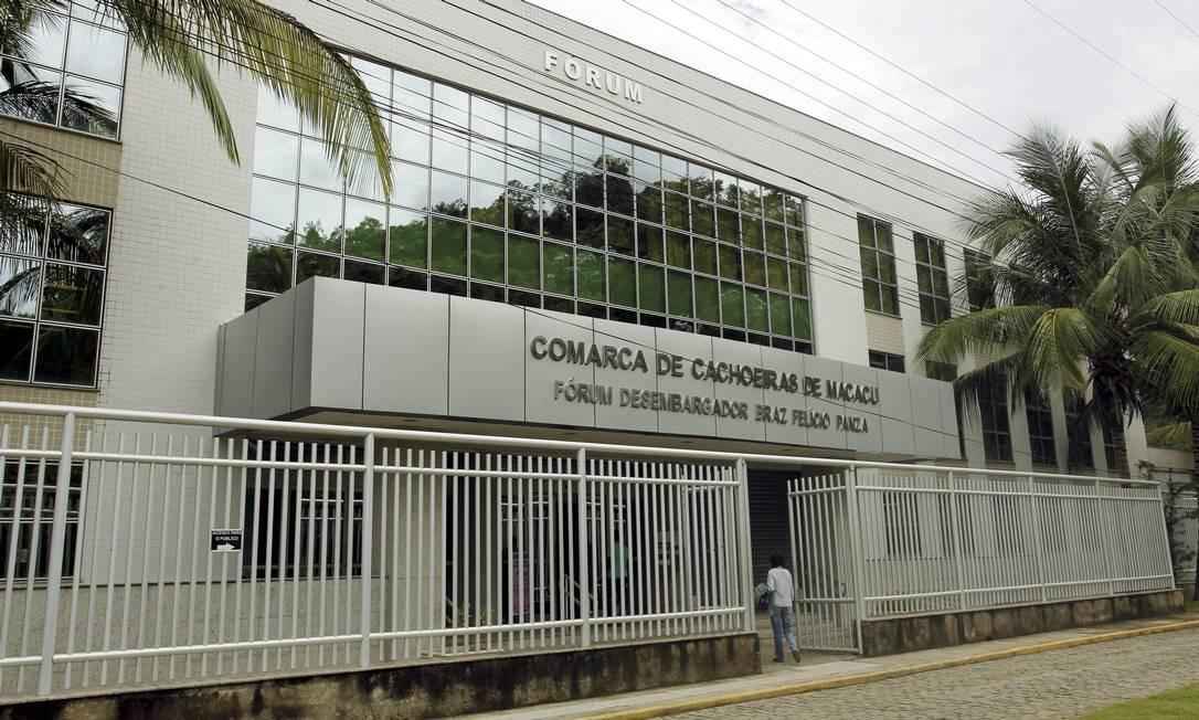 O fórum de Cachoeiras de Macacu, que fica afastado da cidade Foto: Gabriel de Paiva / Agência O Globo