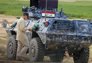 Qassem Soleimani, comandante da Guarda Revolucionária Iraniana, comanda operação conjunta com o Iraque em regiões próximas a Tikrit Foto: STRINGER/IRAQ / REUTERS