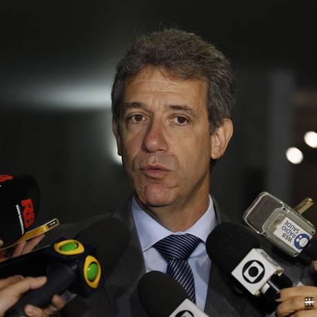 Ministro da Saúde, Arthur Chioro, concede entrevista coletiva na Câmara Foto: Jorge William / Agência O Globo