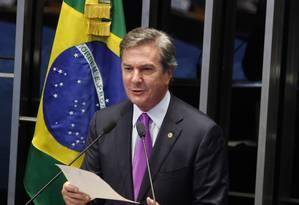 O senador Fernando Collor (PTB-AL) na tribuna do senado Foto: Givaldo Barbosa/09-03-2015 / Agência O Globo