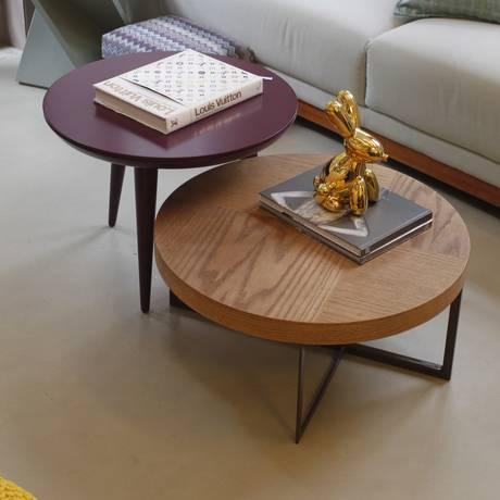 As mesas da LZ Studio podem ser usadas em conjunto na sala Foto: Pedro Teixeira/Agência O Globo / Agência O Globo