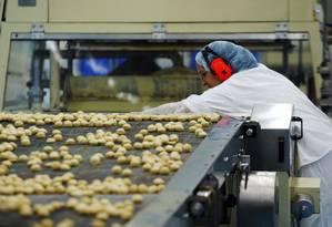 Fábrica de chocolate do grupo Kraft em Curitiba Foto: Ana Branco / O Globo