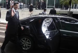 Negociação: Levy em frente ao prédio do Supremo Tribunal Federal Foto: Jorge William