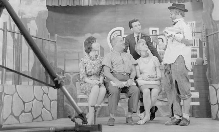 Resultado de imagem para pralça da alegria1950 TV BRASILEIRA