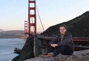 O que aconteceu? Foto do Facebook do copiloto Andreas Lubitz mostra ele em San Francisco, na California: psicólogo fala em um possível transtorno bipolar Foto: AP
