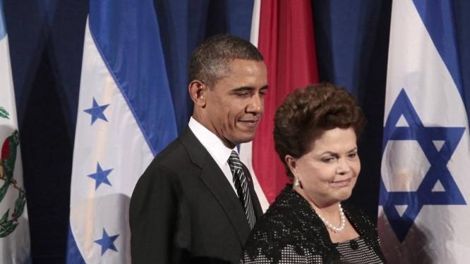 Barack Obama e Dilma Rousseff antes do encontro de Parceria de Governo Aberto, em setembro de 2011 Foto: Pablo Martinez Monsivais / AP