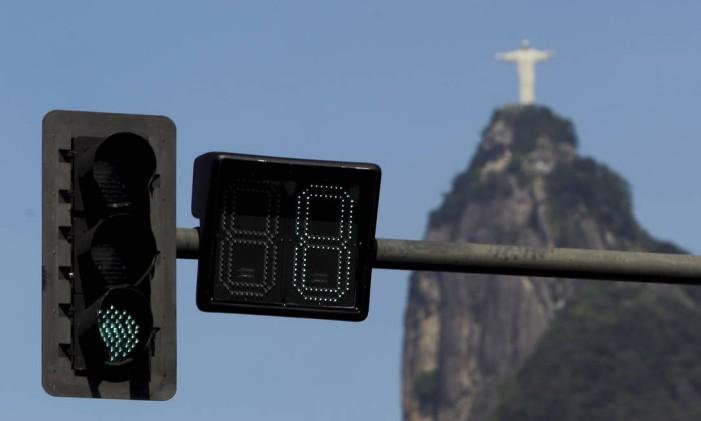 Sinalização na Praia de Botafogo Foto: Gabriel de Paiva / O Globo