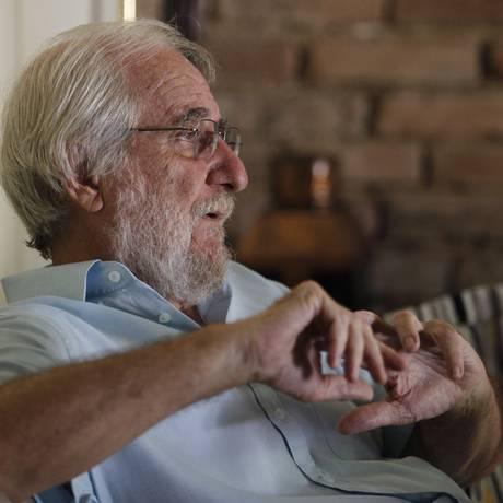 """Sem """"sotaque brabo"""". Nascido em Ourinhos, Eigenheer mora em Niterói há 47 anos Foto: Pedro Teixeira / Agência O Globo"""