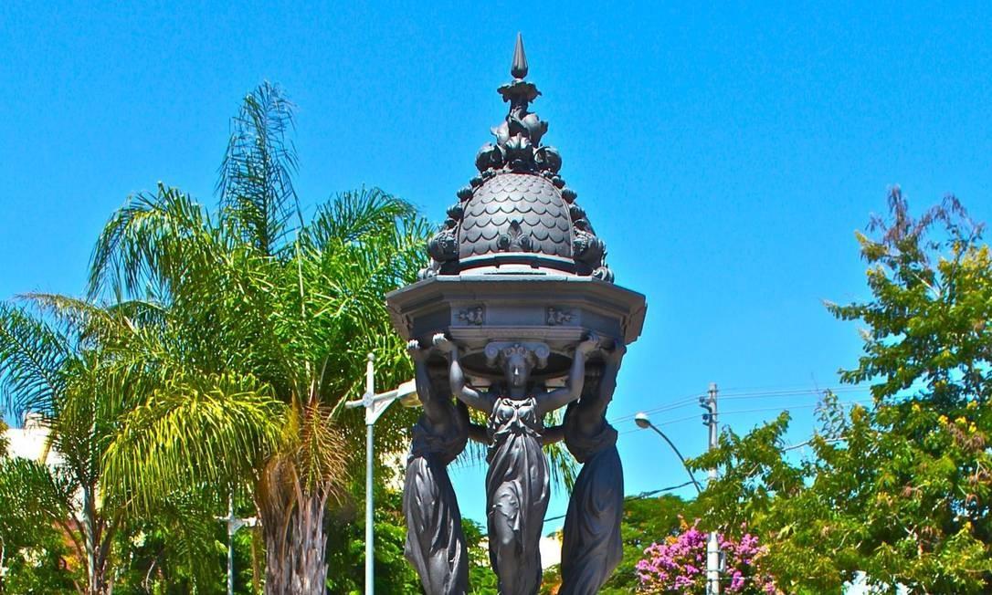 Fonte Wallace na Praça Dom Romualdo, em Santa Cruz Foto: Vera Dias / Divulgação