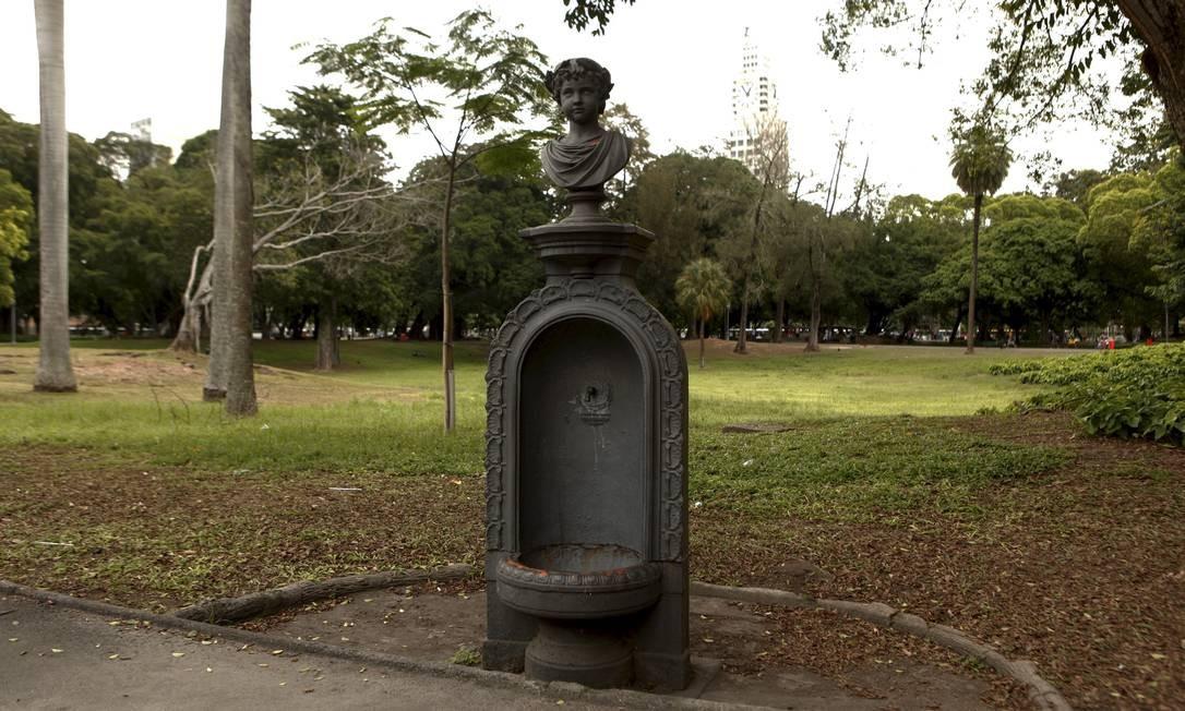 O Campo de Santana tem quatro fontes do século XIX Foto: Gustavo Stephan / Agência O Globo